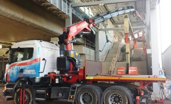 Heavy Lift Crane